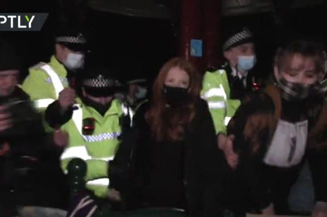 Police round up women mourning London kidnapping-murder victim in crackdown on VIGIL held despite Covid ban (VIDEOS)