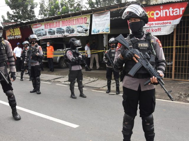 Jakarta police shoot woman 'with ISIS beliefs' in gun battle days after suicide bombers attack church