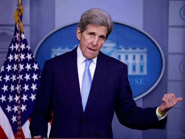 John Kerry Under Fire Over Allegedly Telling Zarif About Israel Striking Syria 'at Least 200 Times'