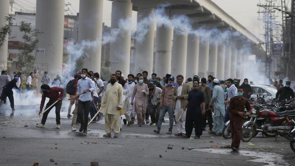 The Pakistani governmen