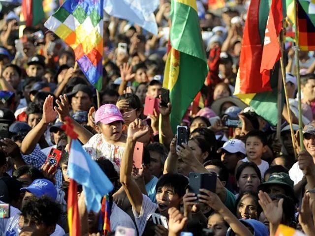 Morales Slams El Alto Mayor Eva Copa Meeting With State Coup Plotters as 'Treason', Spokeswoman Says