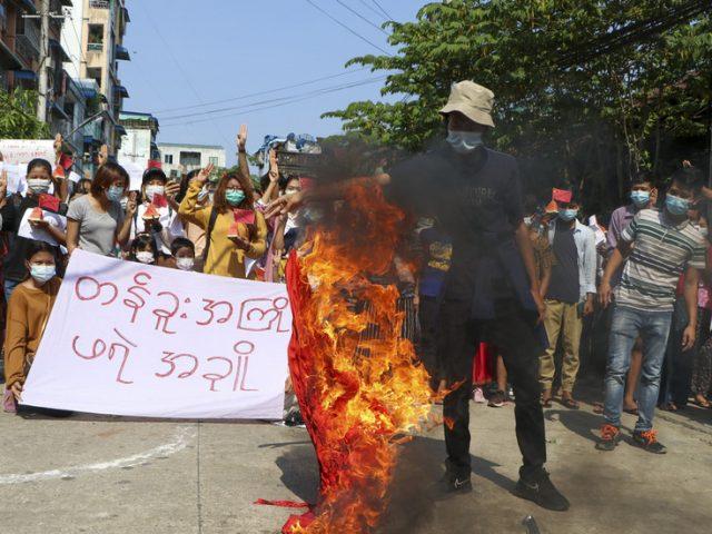Myanmar military's violent post-coup crackdown displaces 250,000 – UN envoy