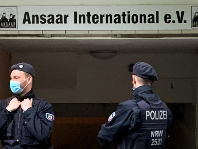 Islamic group Ansaar banned by Berlin: Minister says they financed terrorism under the guise of humanitarian aid