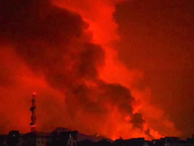 Nyiragongo volcano erupts in Congo, triggering evacuation as panicked residents scramble to flee to Rwanda (VIDEOS)