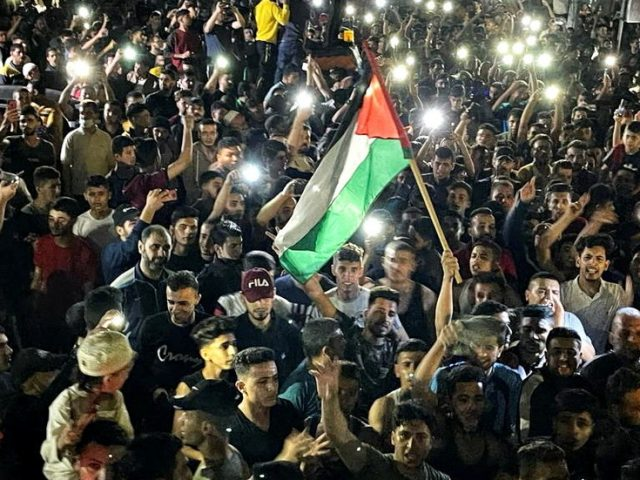 Raucous celebrations break out in Gaza, West Bank & East Jerusalem as ceasefire takes effect (VIDEOS)