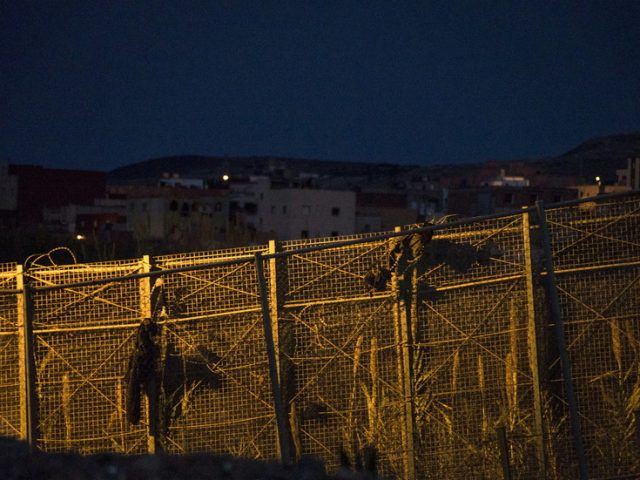 20 Civil Guards injured thwarting attempt by over 150 migrants to enter Spain's Melilla enclave