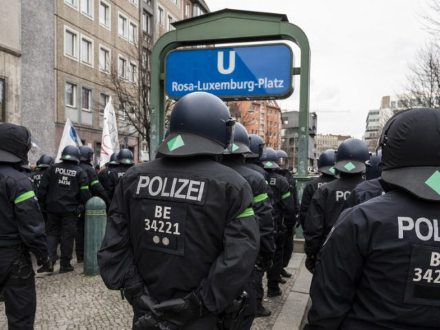 Berlin police investigating sedition raid homes of 5 officers suspected of disseminating racist, right-wing views
