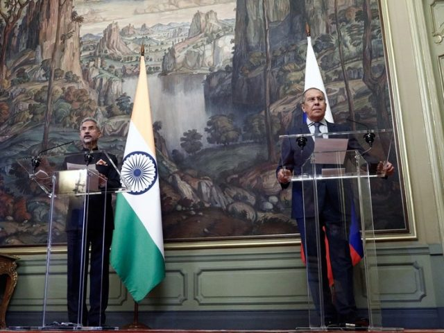 Russia & India denounce Covid-19 'vaccine discrimination & politicization,' as Lavrov teases ditching US dollar in mutual trade