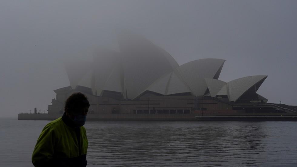 Sydney still in lockdown