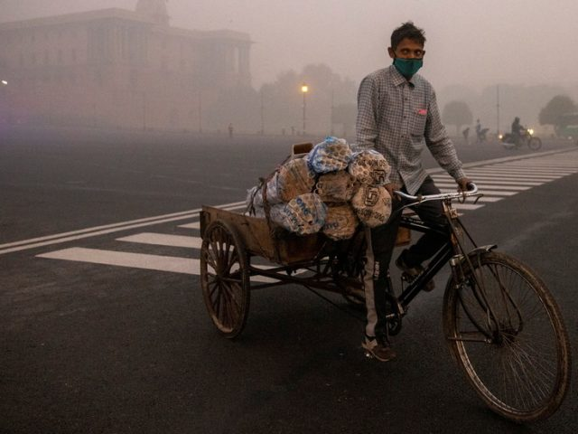 Air pollution could cut 9 years of life expectancy for 40% of Indians if something isn't done, study warns
