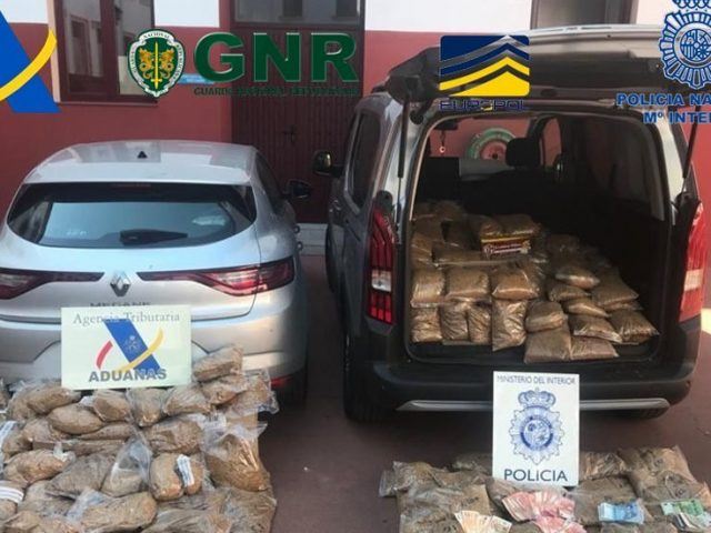 Spain police seize 10 tons of contraband tobacco and 36,000 cigarette packets in Seville (VIDEO)